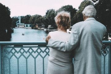 梦见和去世的父母说话